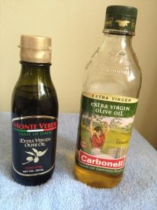 Minyak zaitun dalam botol di dapati di pasaraya